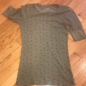 EUC FLORAL LONG SHORT SLEEVES WAFFLE T ARMY GREEN
